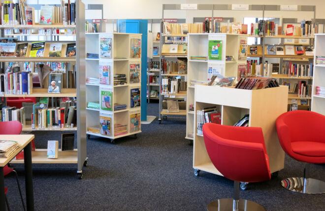 Innenansicht Bücherhalle Niendorf