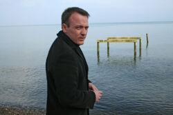 Autor Mirko Bonné am Meer