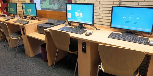 Kunden-PCs in der Bücherhalle Eimsbüttel