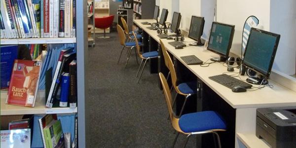 Kunden-PCs in der Bücherhalle Neugraben