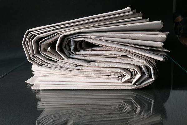 Aufgerollte Zeitung